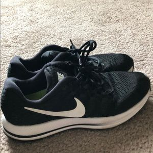 Black Nike Zoom shoes!